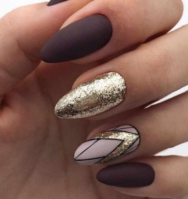 Шикарный золотой маникюр 2020-2021 года: модный дизайн с золотым декором ногтей