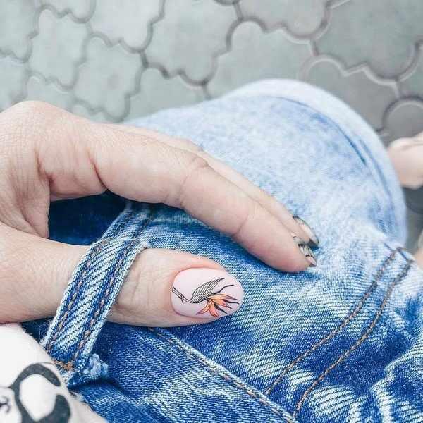 Прелестный светлый маникюр 2020-2021 – модные тренды и фото-идеи