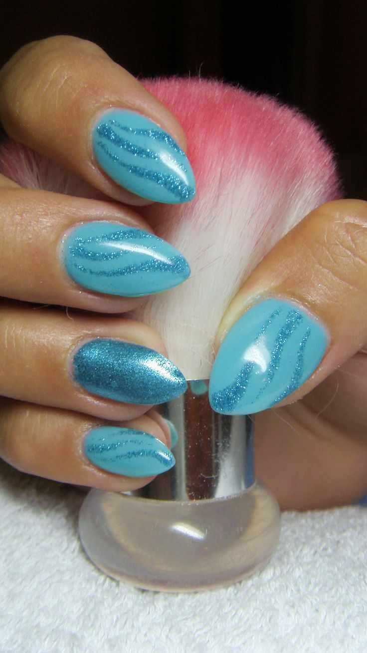 маникюр бирюзового цвета turquoise nail polish