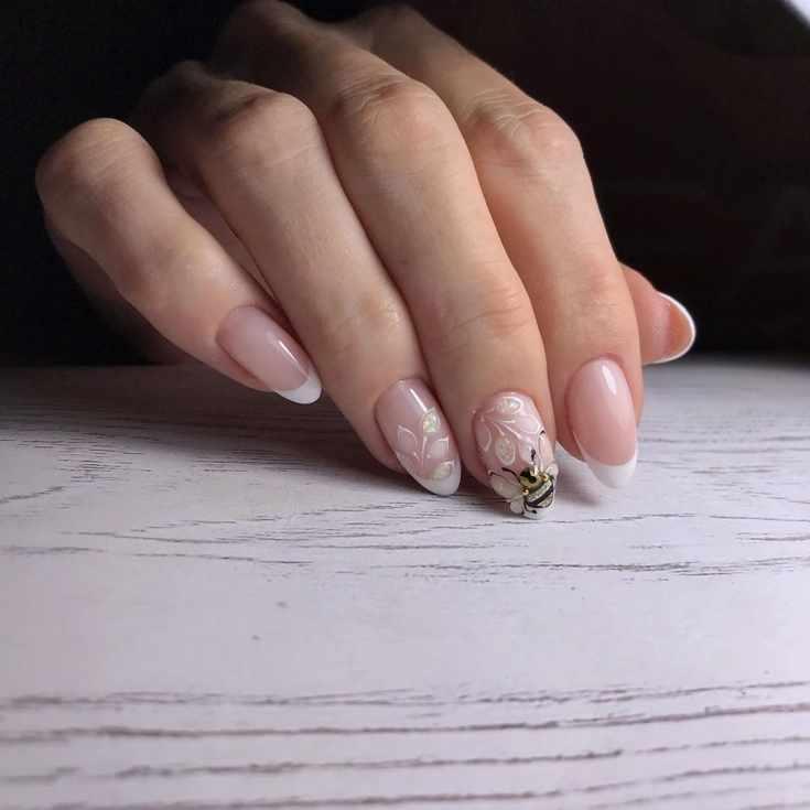 Белый френч с рисунком