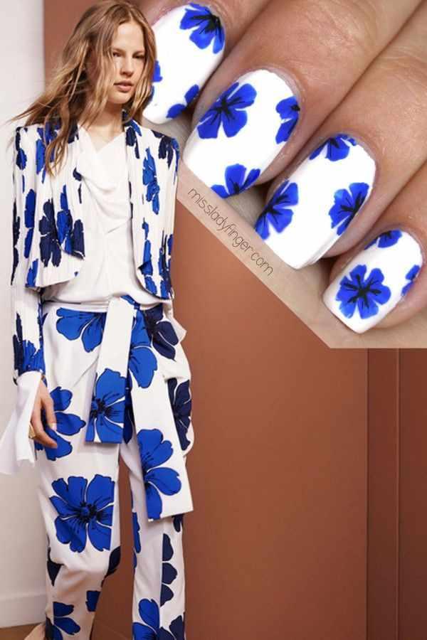 manicure under a blue dress маникюр под синее платье цветок васильки