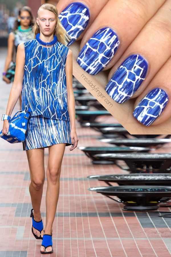 manicure under a blue dress маникюр под синее платье кракелюр