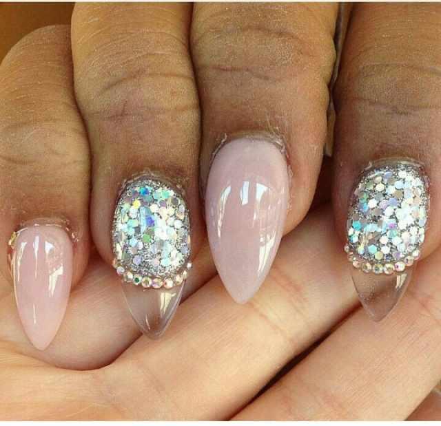 transparent nail design прозрачный маникюр миндальная форма manicure with transparent tips