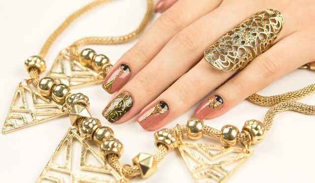 модный дизайн ногтей от чемпионов узор золотом design of extension of long nails