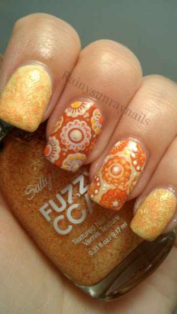 оранжевый маникюр ногтей цветочные круги