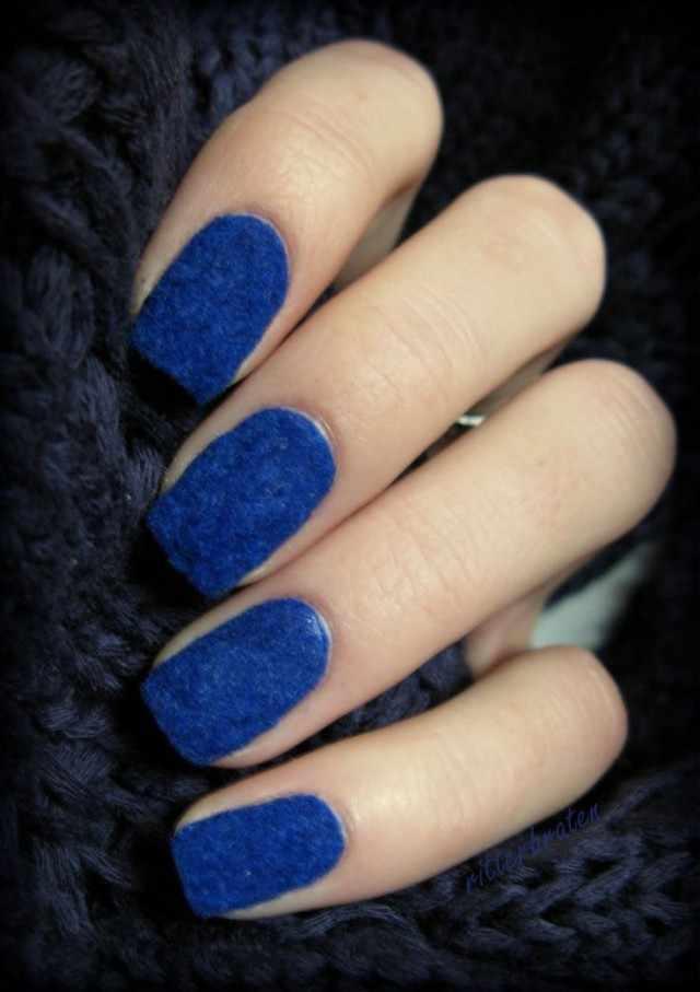 дизайн бархатных ногтей синий velvet nail design