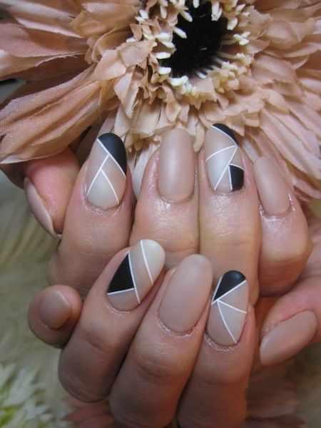 геометрический дизайн ногтей абстракция