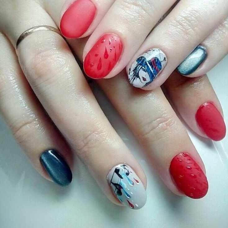 Осенний маникюр на короткие овальные ногти с каплями дождя и тематическими рисунками осени