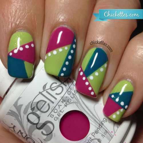 геометрический дизайн ногтей белые кружочки