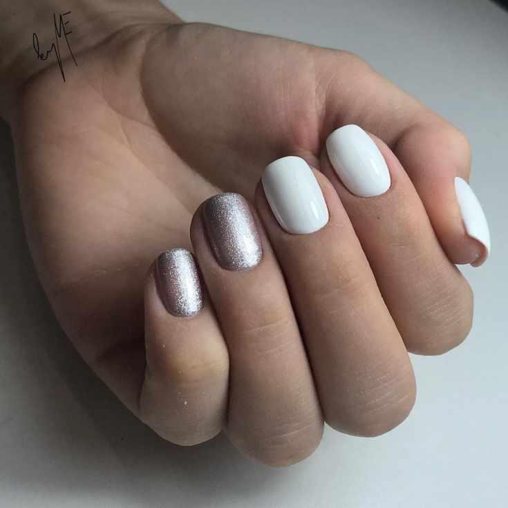 Маникюр белый с серым