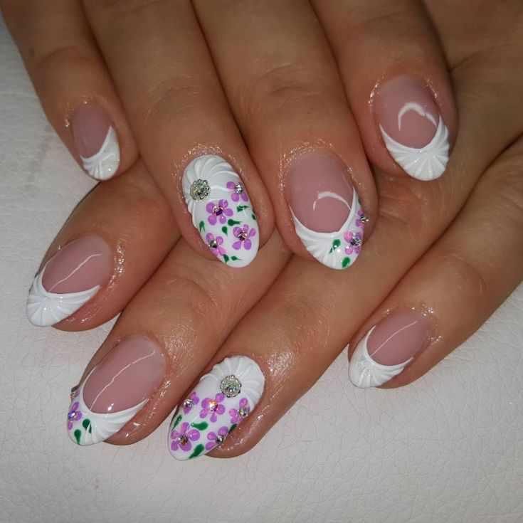 белый дизайн ногтей