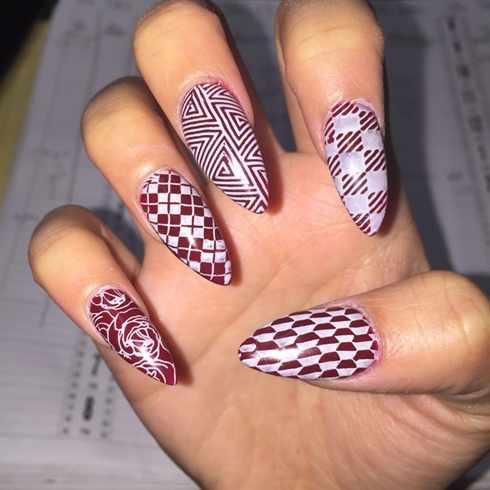 beautiful red manicure white geometric lines красно белый маникюр геометрия