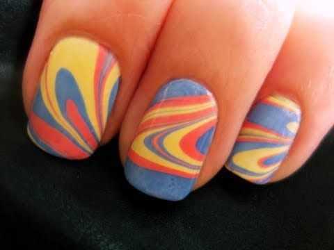 водный дизайн ногтей жёлтый