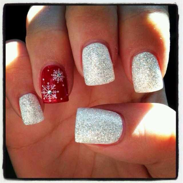 beautiful red manicure white красно белый маникюр снежинки шиммер