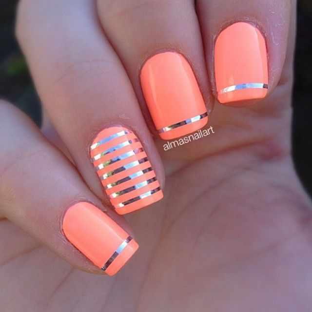 оранжевый маникюр ногтей полоски