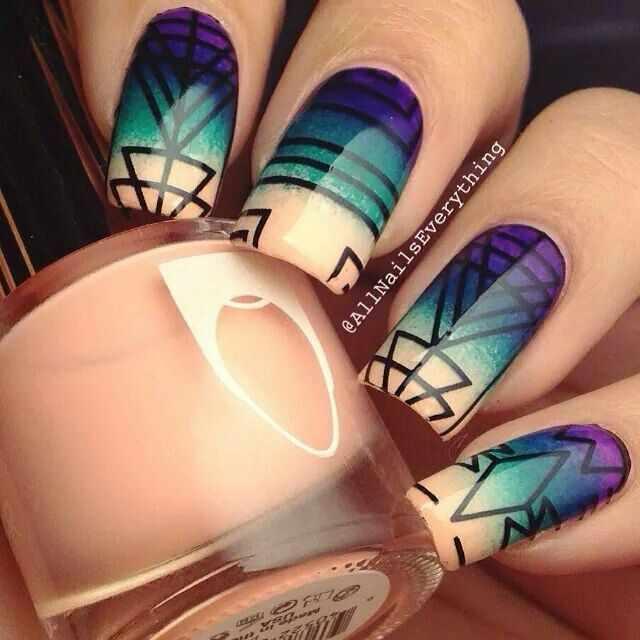 геометрический дизайн ногтей градиент
