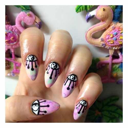 nails yin yang eye