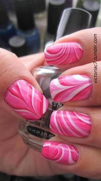 водный дизайн ногтей розовый