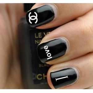 дизайн ногтей шанель надпись