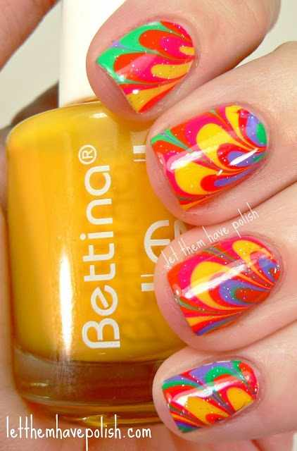 водный дизайн ногтей жёлто-красный