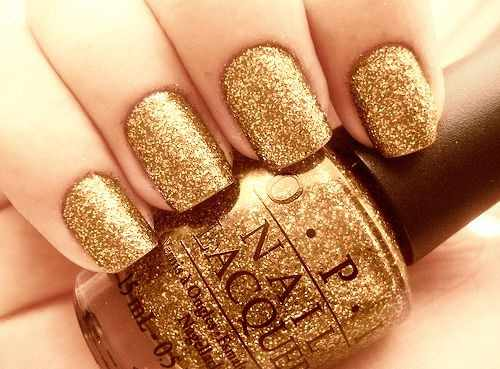 золотой дизайн ногтей шиммер