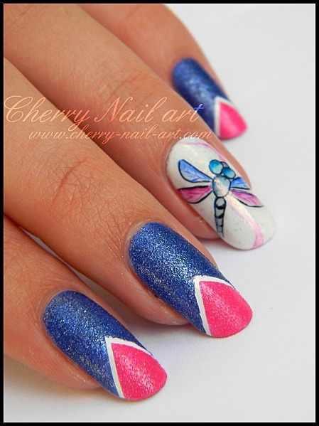 дизайн ногтей стрекоза сине розовая