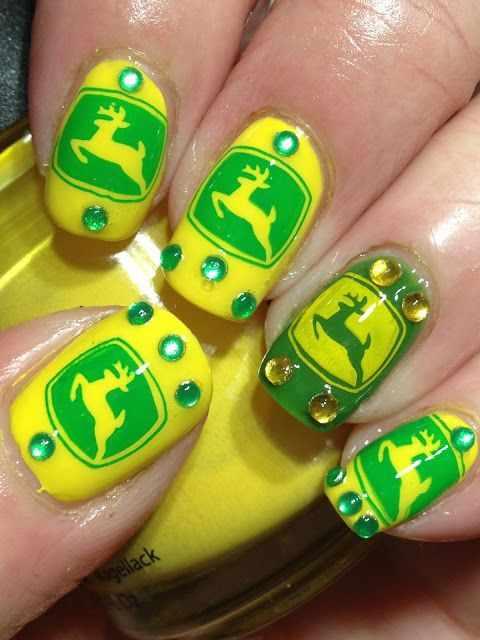 дизайн ногтей животные олень