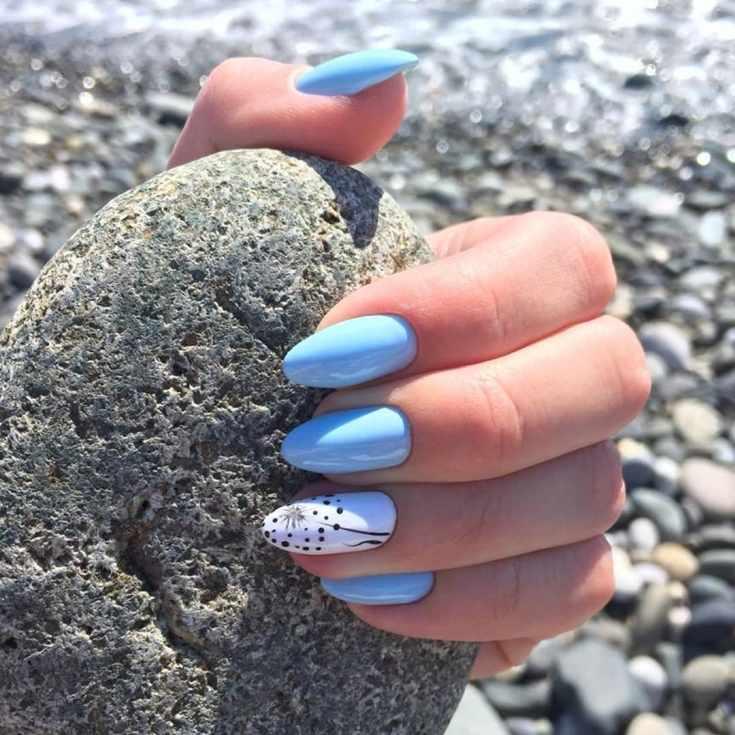 Голубой маникюр на длинные ногти