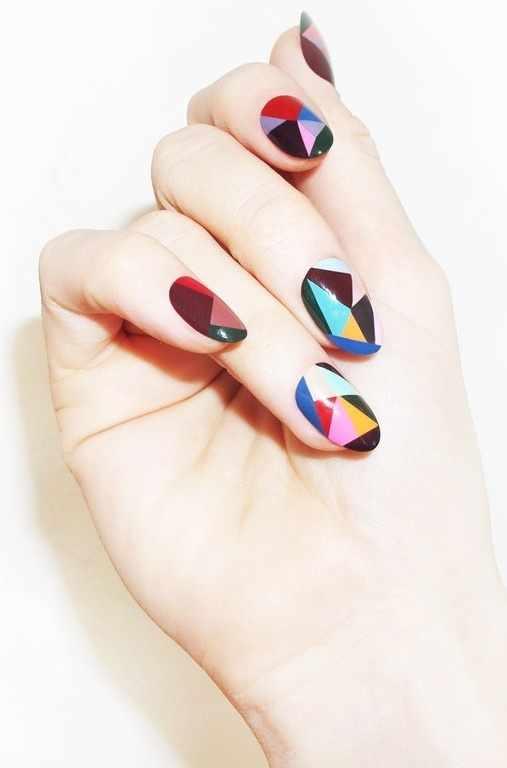 геометрический дизайн ногтей фигуры
