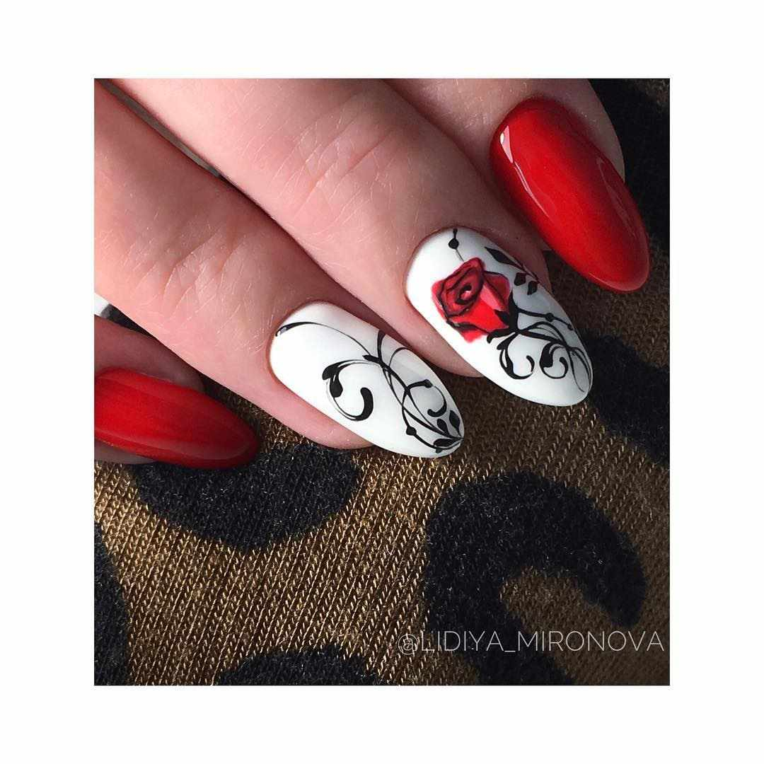 Красный весенний маникюр с дизайном