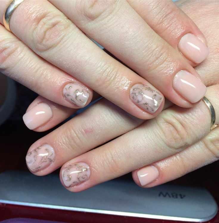 Нюдовый маникюр на коротких ногтях