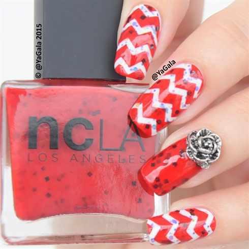 beautiful red manicure white strips красно белый маникюр полоски