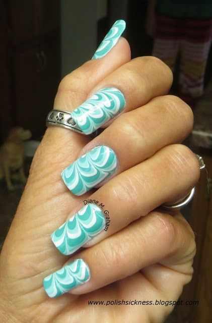 водный дизайн ногтей мятный