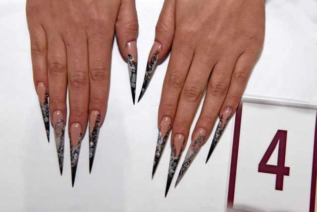 модный дизайн ногтей от чемпионов черно белые стилеты design of extension of long nails