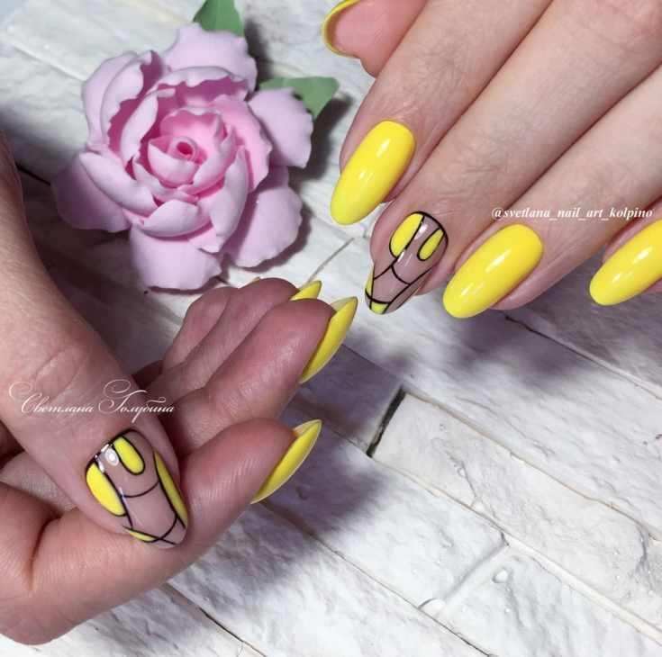 Жёлтый маникюр с геометрией