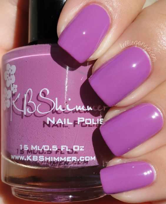 светло лиловый маникюр