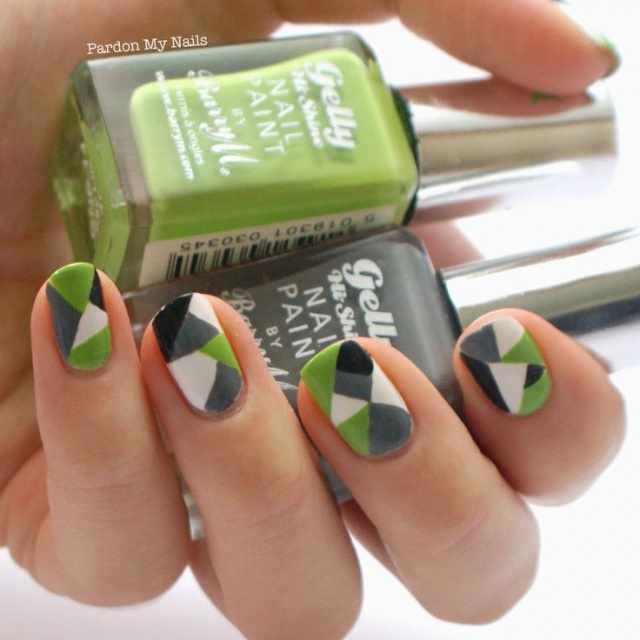 геометрический дизайн ногтей зелёный чёрный белый