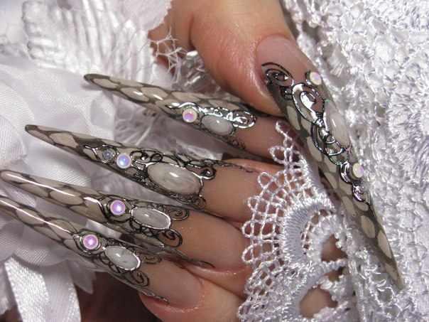 литьё на ногтях переводной фольгой и гель краской
