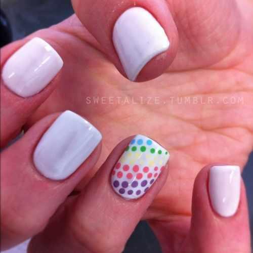 manicure with a pattern on the ring finger маникюр с рисунком на безымянном пальце