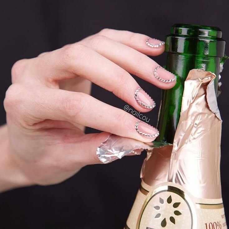 модные новинки маникюра современные тенденции дизайна ногтей