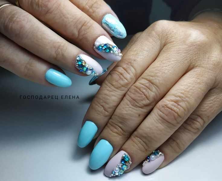 Летний маникюр 2019 на миндальную форму ногтей
