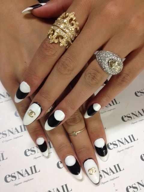 дизайн ногтей шанель блюлики