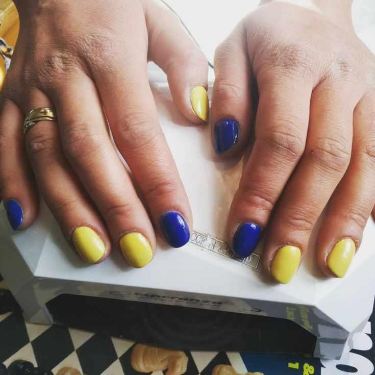 маникюр жёлто синего цвета