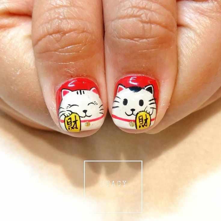 маникюр с кошками