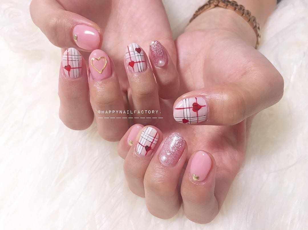 TOP 50 Burberry print design nails