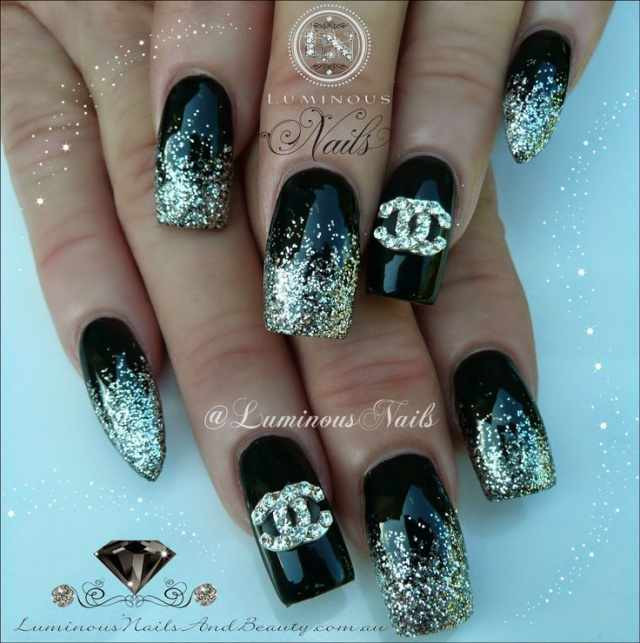 дизайн ногтей шанель блёстки