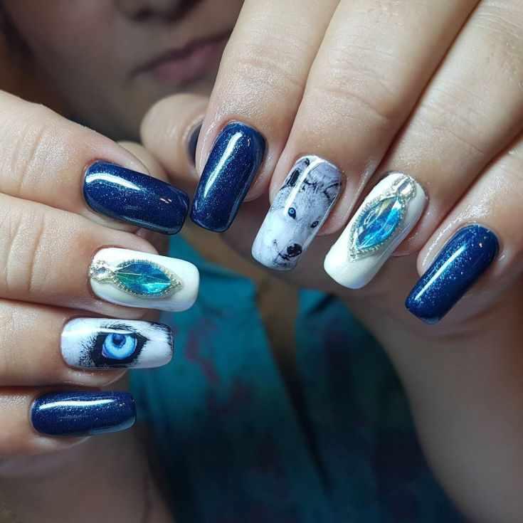 маникюр волк на ногтях