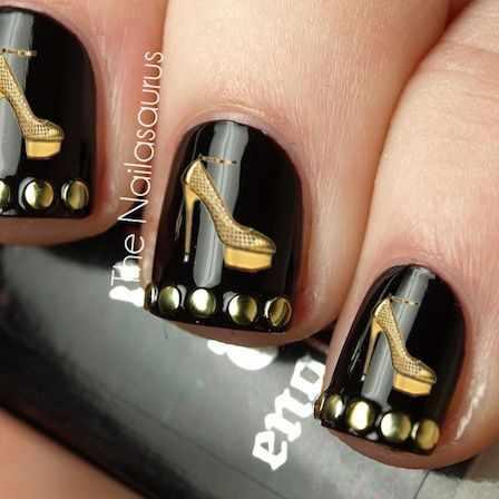 золотой дизайн ногтей туфелька