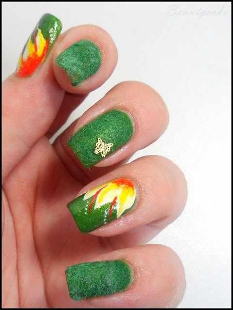 дизайн бархатных ногтей зелёный бабочка velvet nail design