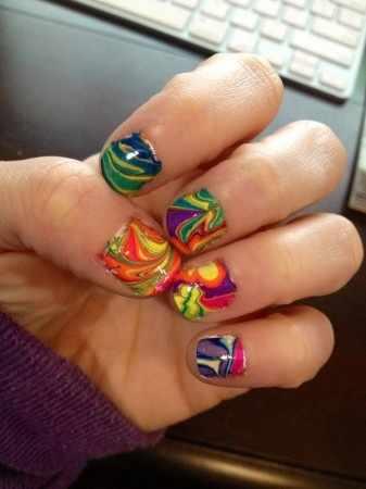 водный дизайн ногтей абстракция